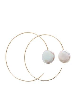 the-baroque-pearl-hoop-earrings