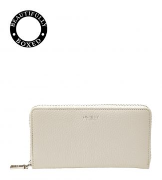 The Daria Leather Zip-Round Purse in coconut white
