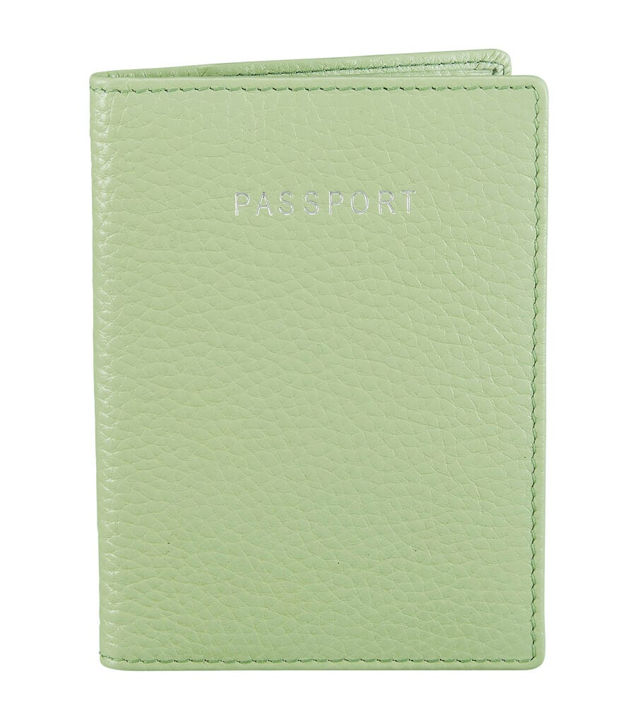 An image of The Daria Leather Passport Cover